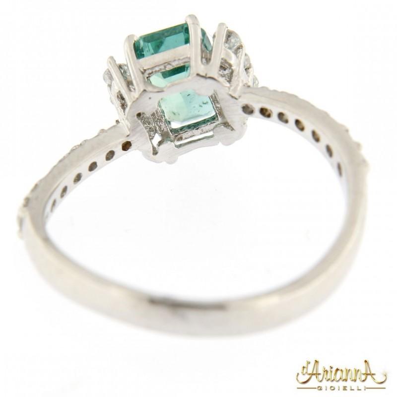 Anello con Smeraldo B76
